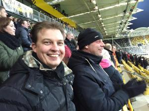 Roda JC-fans konden wel lachen om het gebaar van PSV. Foto: twitter.com/fpvanooyen.